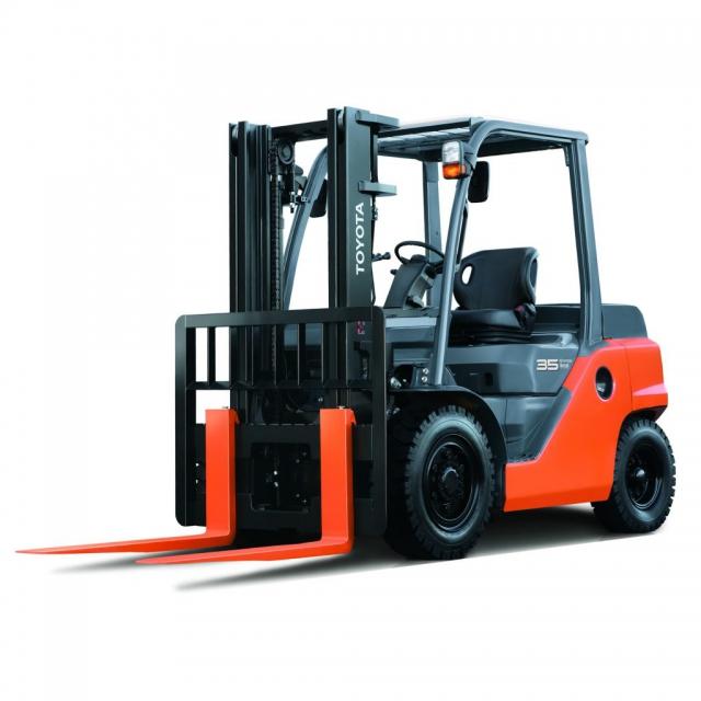 Empilhadeira Toyota 8FG 1.8 a 3.0 ton